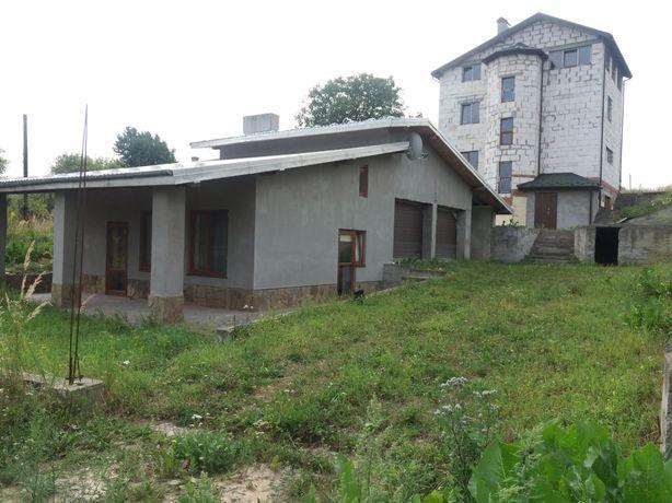 Продаж двох будиночків