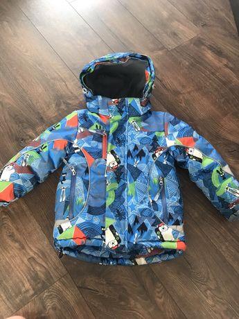 Зимнюю термо куртку на 4-5 лет