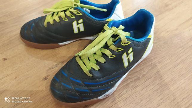 Halówki, buty sportowe, piłkarskie huari jak nowe