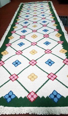 Carpete de arraiolos feita à mão