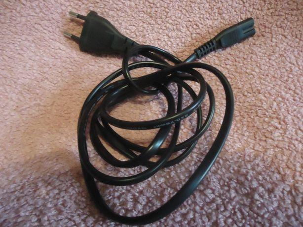 Набор компьютерных шнуров и зарядок