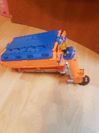 Lego 8110 MOC - Rozrzutnik dla Mercedes Unimog,solarka