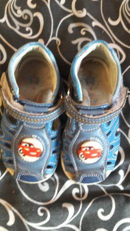 Сандали, босоножки, тапочки, ботинки