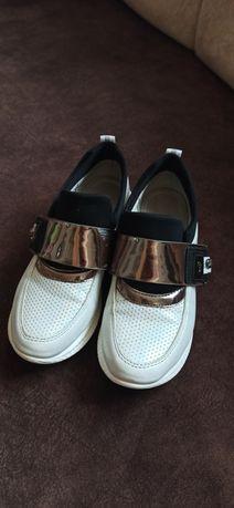 Туфли кроссовки для девочки