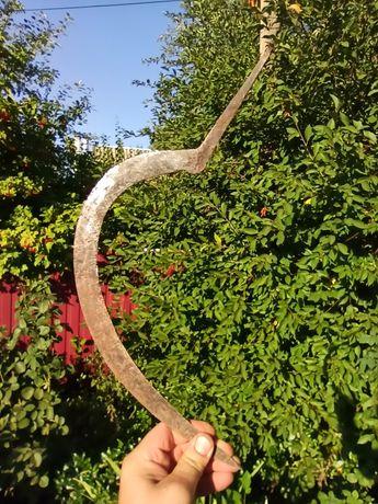 Старинный серп... Возможно для музея.