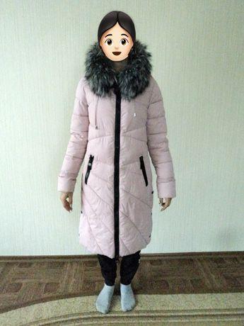 Пальто пуховик. Красивый, теплый и удобный.