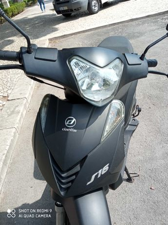 Scooter Daelim S16