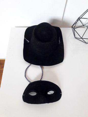 Kapelusz i maska zorro bal przebierańców bal karnawałowy karnawał