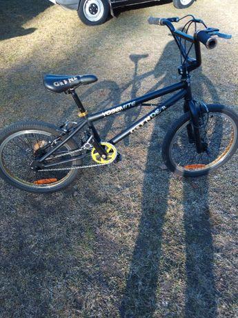 sprzedam rower BMX w kolorze czarnym