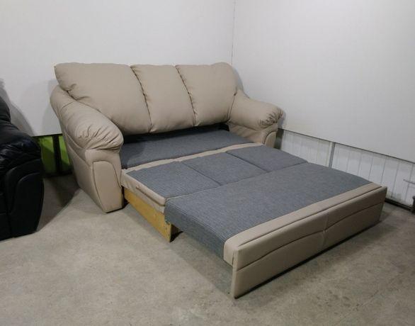 Шикарный кожаный диван! Раскладной!