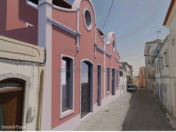 Terreno com projeto para apartamentos no centro histórico...
