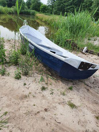 Łódź łódka wędkarska turystyczna