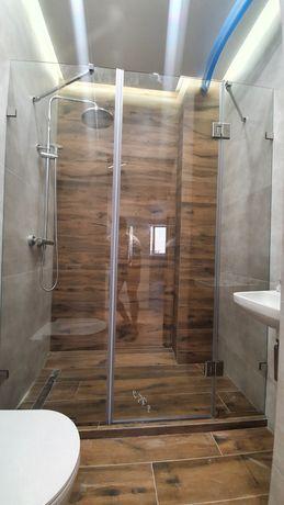 Стеклянные душевые двери. Стеклянные перегородки в душ. Стекло калёное