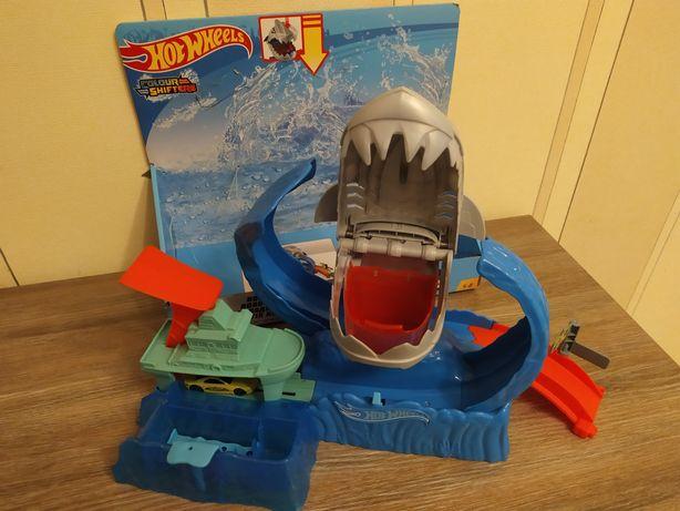 "Продам Hot wheels трек ""Голодная акула"""