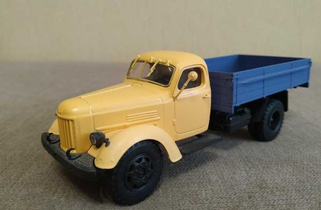 Коллекционная масштабная модель грузовой автомобиль ЗИЛ-164А