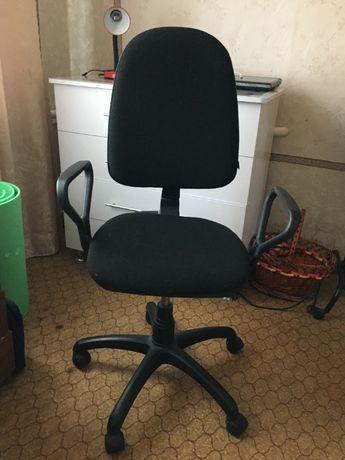 Продам комп'ютерний стілець