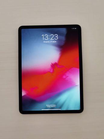 iPad Pro 11-inch 256 GB 2018 года с Клавиатурой