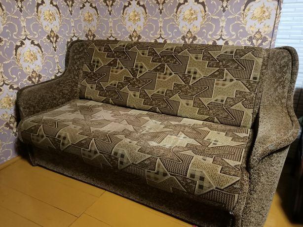 Диван та крісла у вітальню