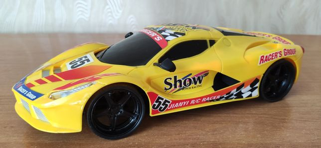 Іграшкова Ferrari з пультом / Игрушечная машинка Феррари на пульте