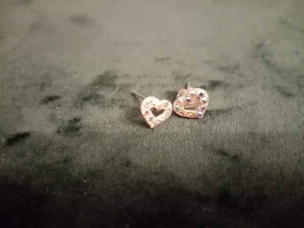 Kolczyki w kształcie serc z cyrkoniami