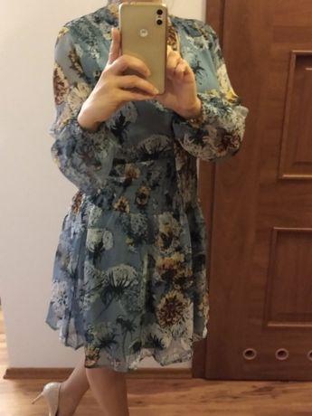 Sukienka z nadrukiem - rozmiar 36