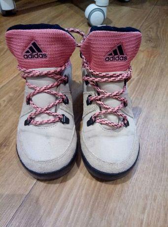 Продам осенне-весенние ботинки Адидас