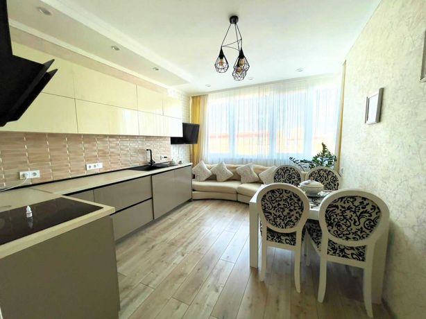 V Однокомнатная в новом доме с ремонтом и мебелью на Канатной.