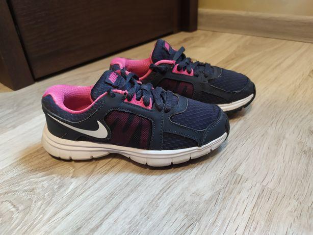Кросівки, кроси
