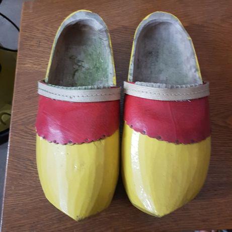 Holenderskie buty, chodaki drewniane. Klumpy
