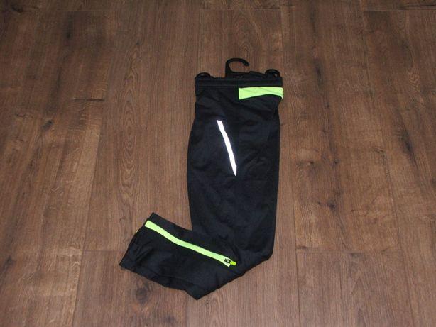 Спортивные штаны kalenji decathlon на 6 и 8 лет.