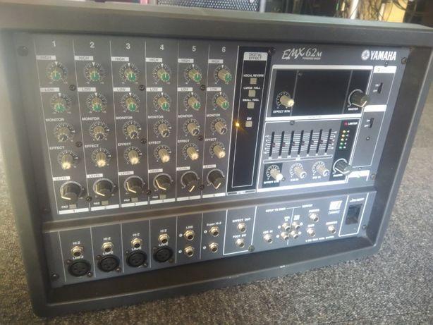 Yamaha EMX 62M Powered Mixer - Mesa de Som Amplificada