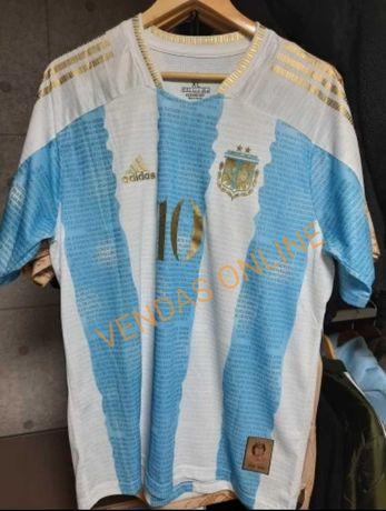 Camisola Argentina comemorativa de homenagem a Maradona