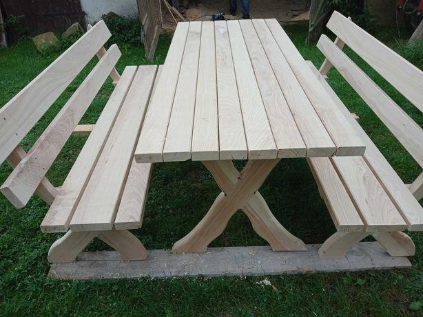 Meble ogrodowe stół + 2 ławki