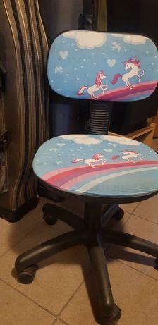Krzesełko obrotowe dla dziewczynki