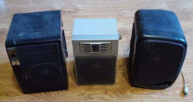 Głośniki, kolumny, kolumienki wolnostojące 3 sztuki 8W.