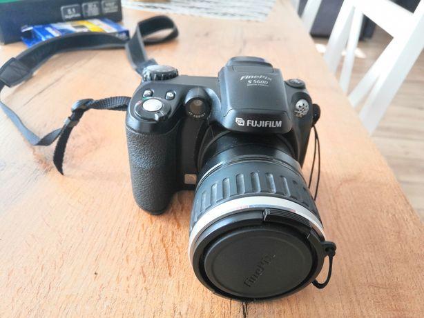 Sprzedam Fujifilm Finepix S5600 świetny na początek i nie tylko.