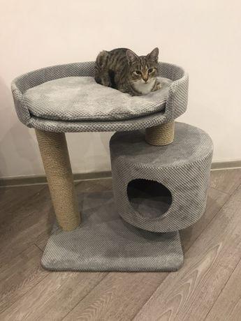 Nr 18 Drapak dla dużego kota z podłużnym legowiskiem
