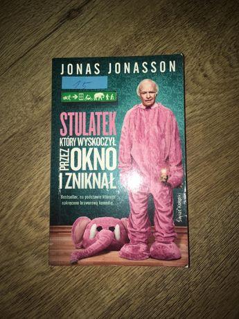 """Jonas Jonasson """"Stulatek który wyskoczył przez okno i zniknął"""""""