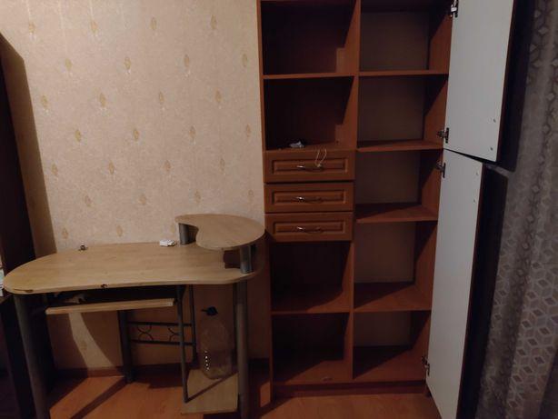 Шкаф и стол самовывоз