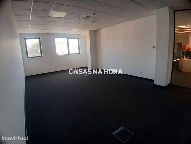 Sala de escritório 42 m2 - Carnaxide - Oeiras