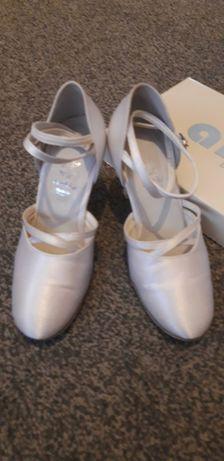 Buty do tańca, ślubne biała satyna