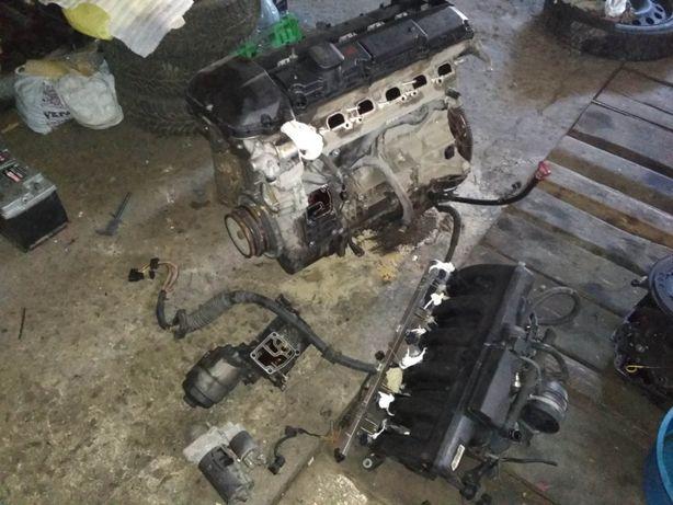 Мотор двигатель БМВ м54б30 m54 b30 Головка клапанная Кришна ванос диса