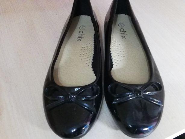 Продам туфли р. 36
