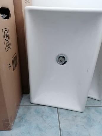 Umywalka nablatowa 32x50