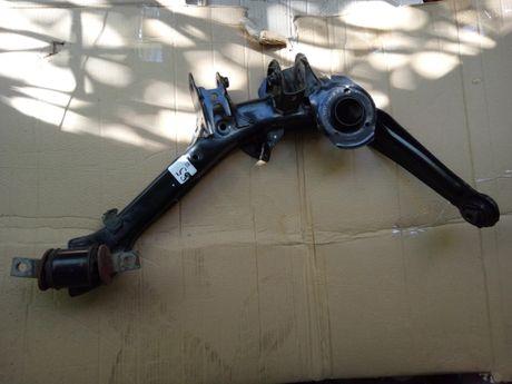 правый нижний задний рычаг Honda Civic Coupe 2013 поврежденный