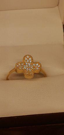 złoty pierścionek z kwiatkiem super wzór polecam