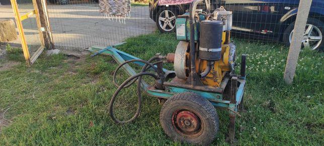 Motor diesel com bomba hidráulica