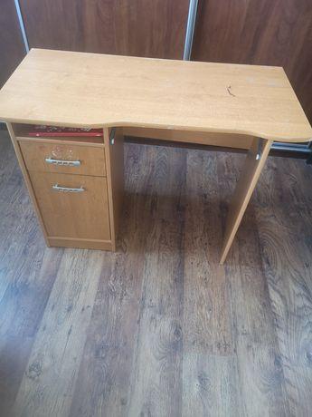 Oddam biurko młodzieżowe