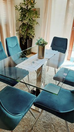 Mesa e cadeiras sala Jantar