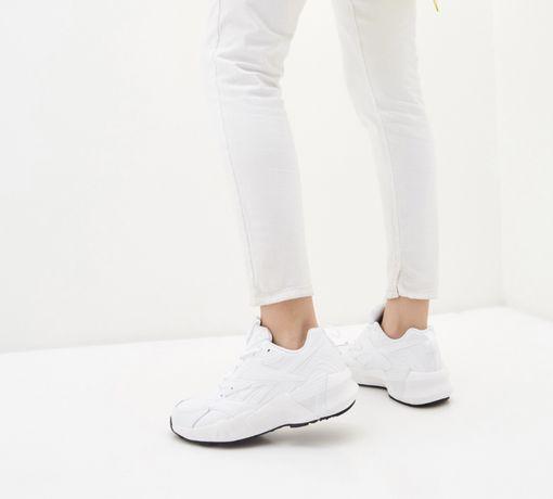 Reebok кроссовки размер 37,5 на стопу 24 см